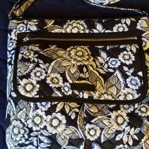 Vera Bradley Bags - Vera Bradley Iconic Mailbag purse